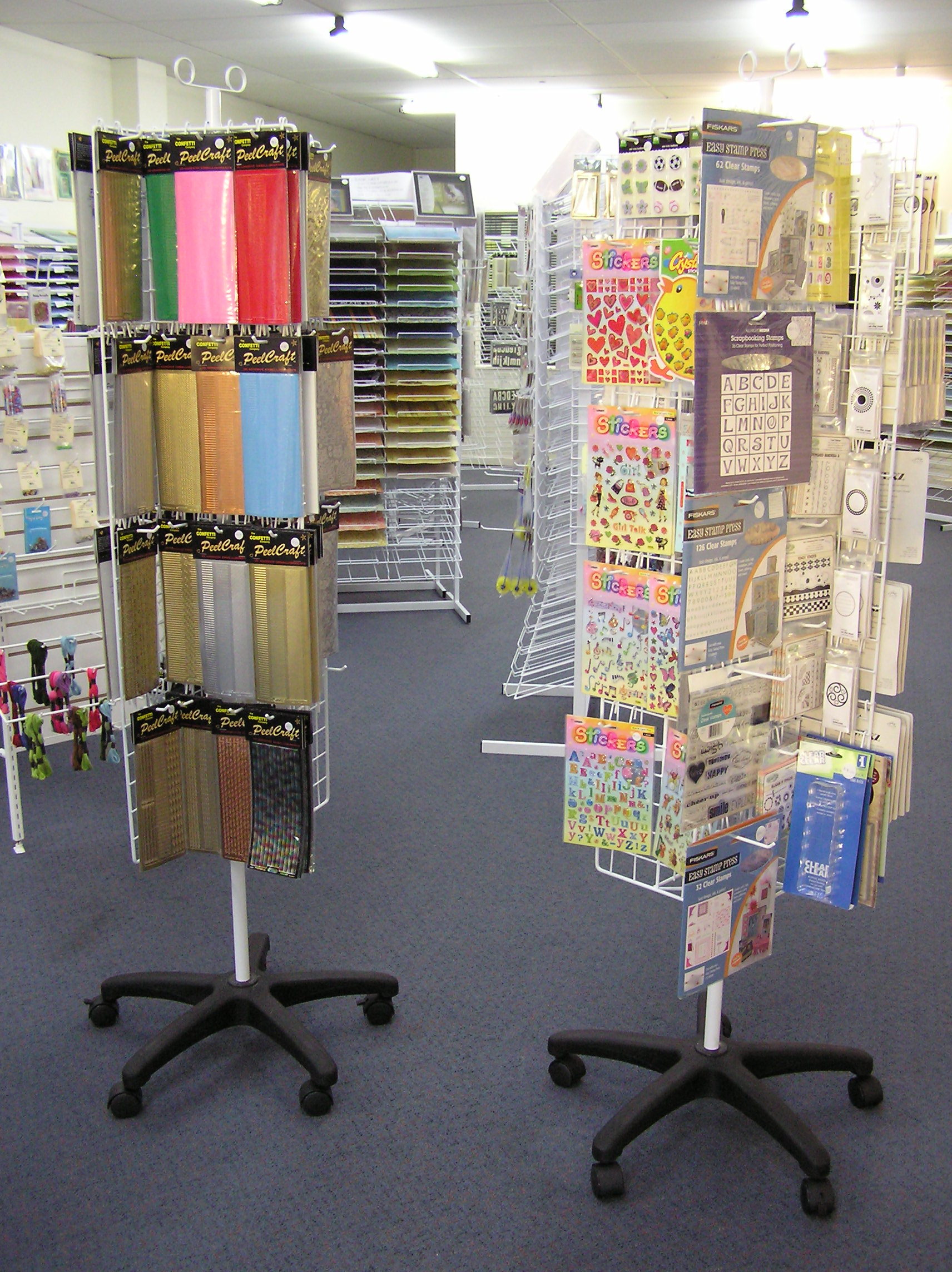 Display-Stands Wire Forming Examples on water forming, plastic forming, rocks forming, thread forming,
