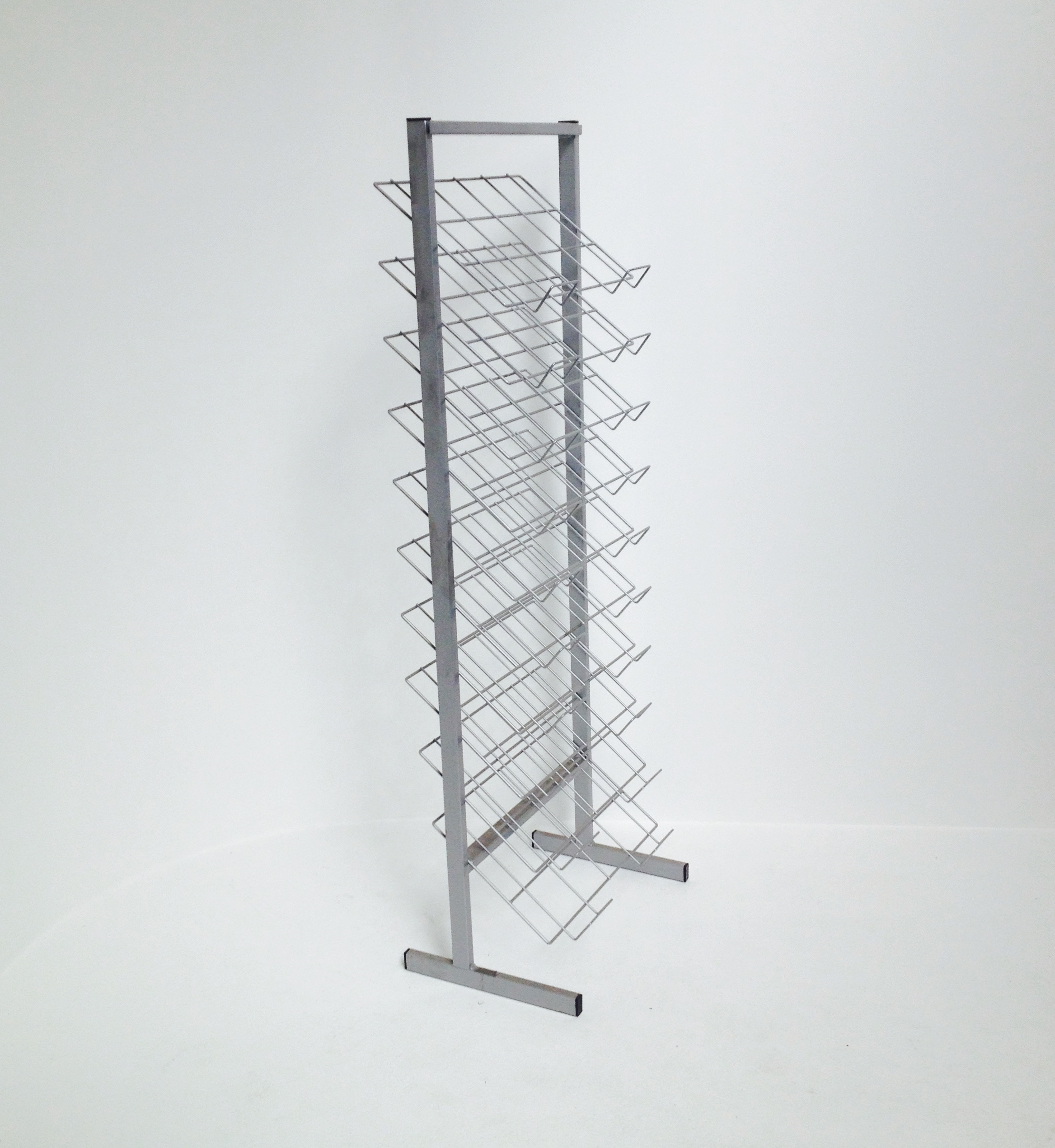 paper stand1a